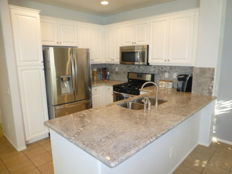 Antico Bianco Granite Counter Tops & Back Splash