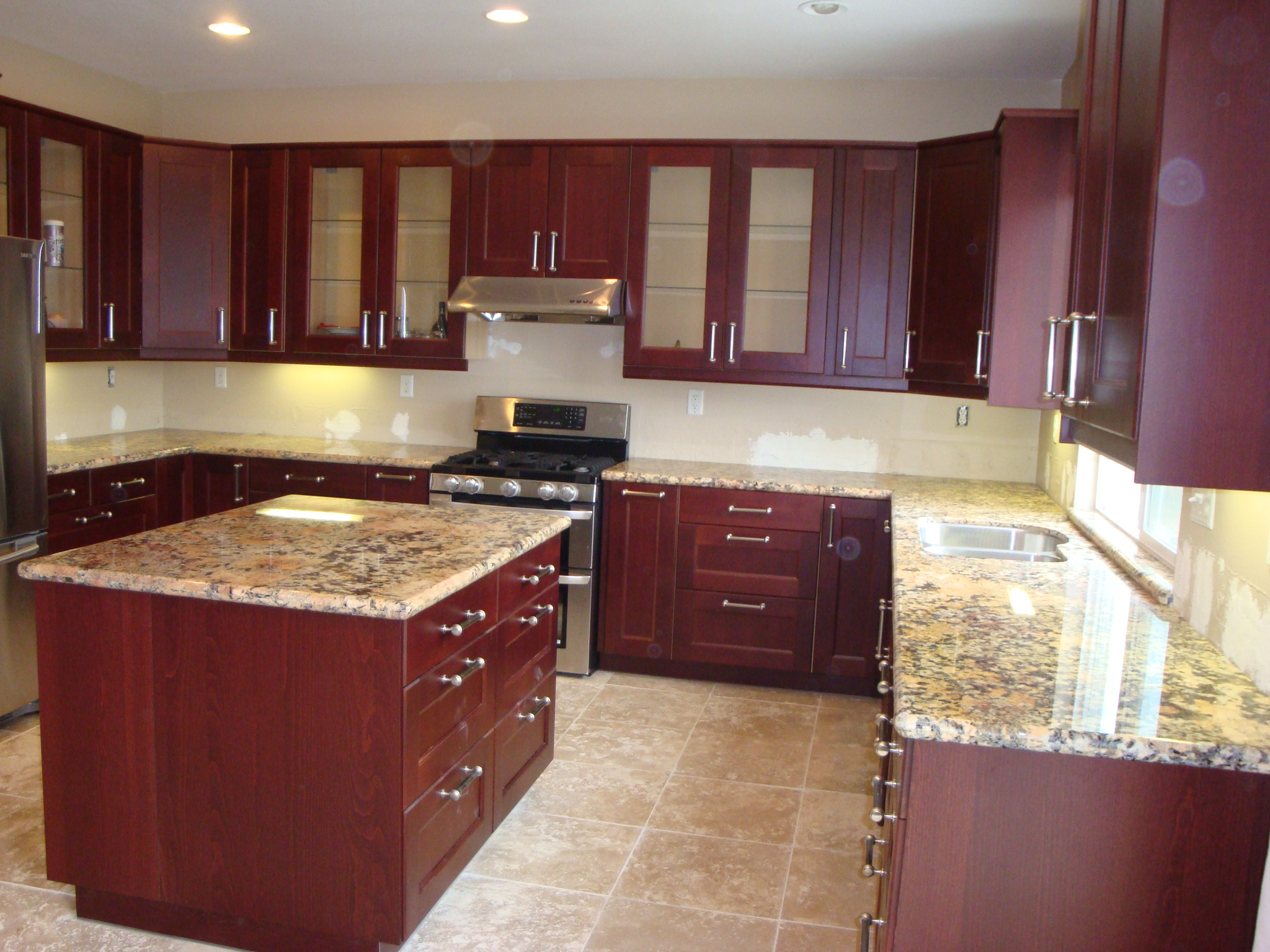 Diamond Flower Granite Counter Tops & Cherry Shaker Cabinets | Santa Clarita