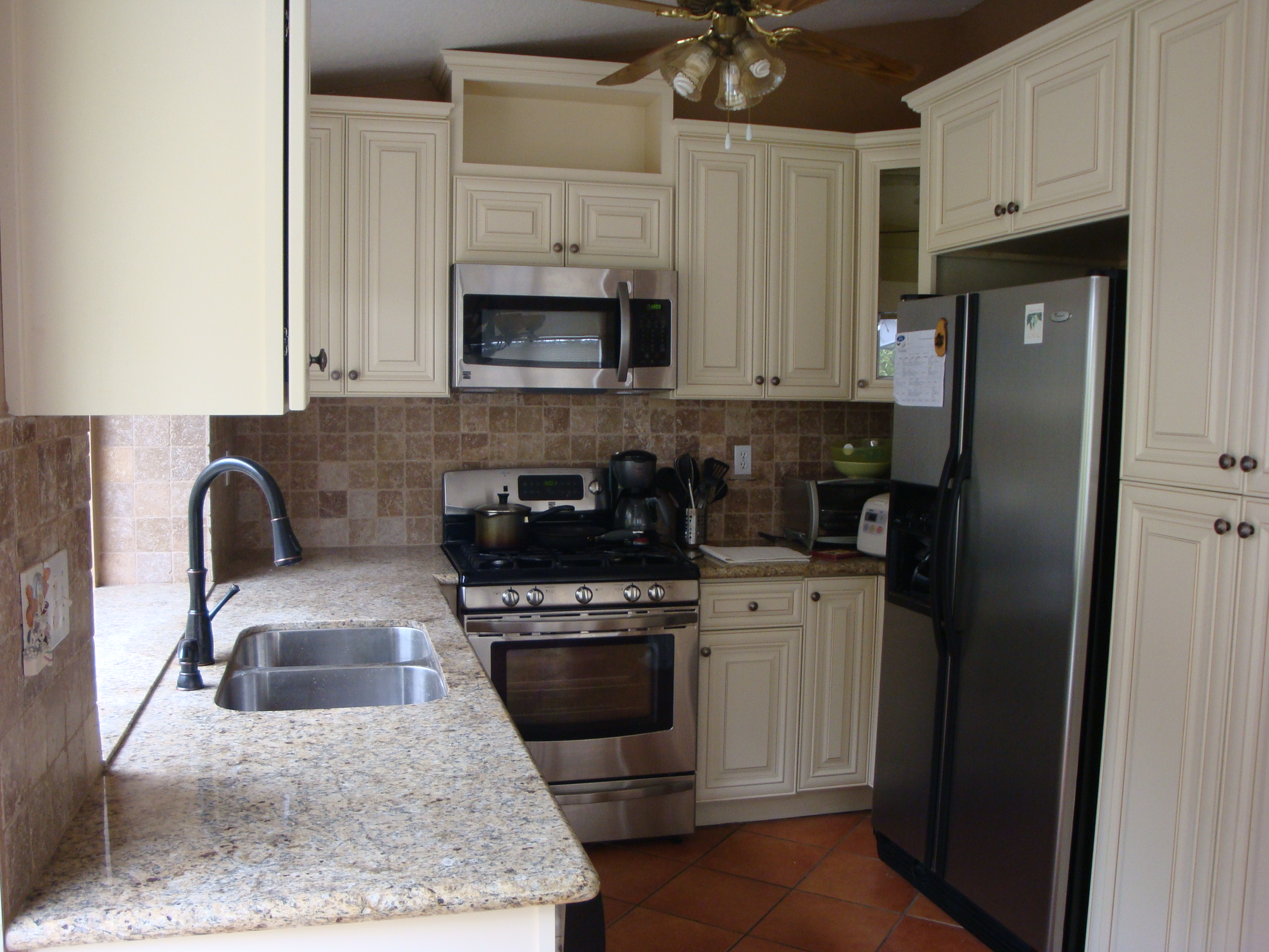 Kitchen Antique White Cabinets & Venetian Gold Granite Counter Tops | Santa Clarita
