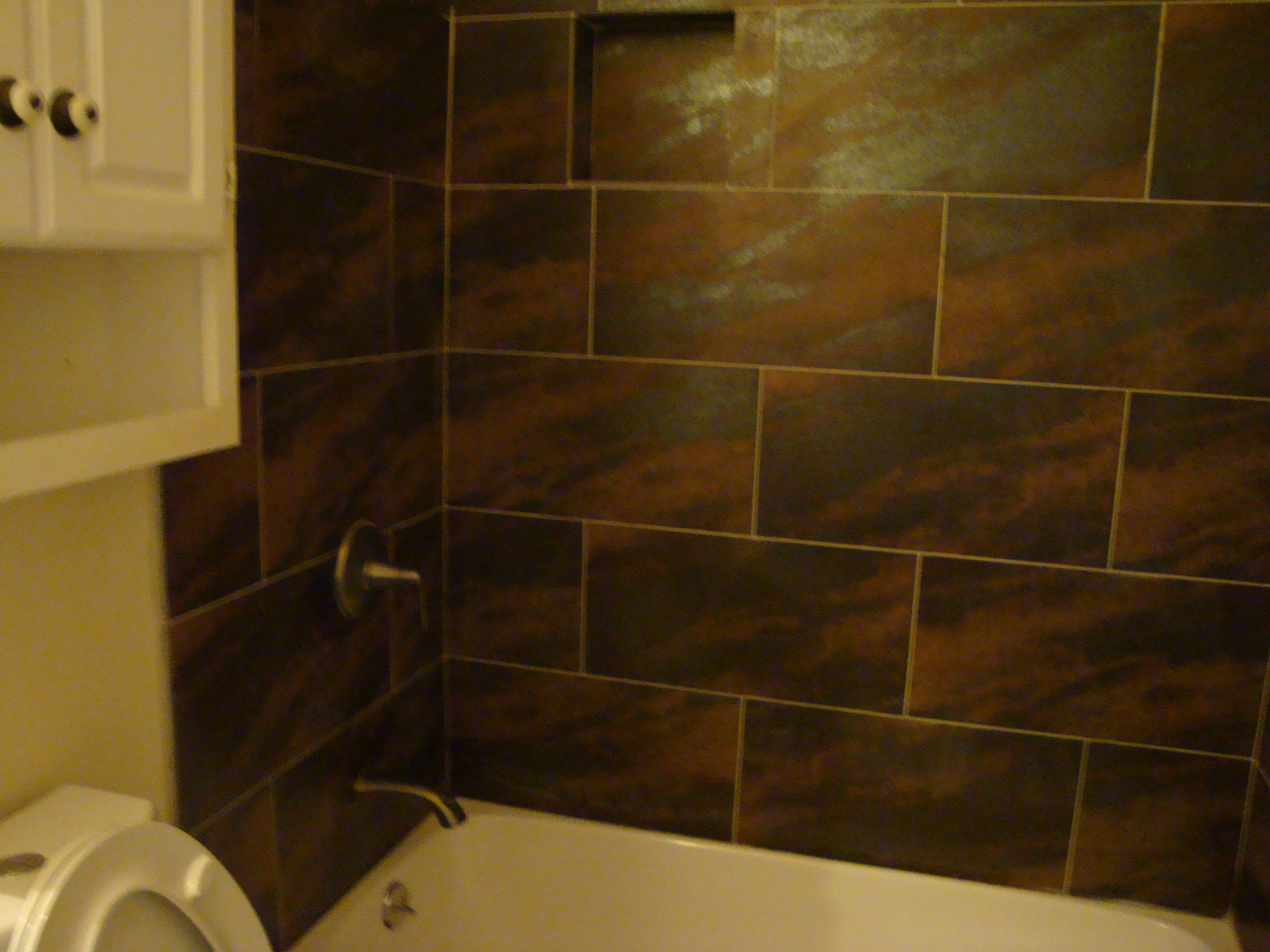 Bathroom Porcelain Shower | Santa Clarita