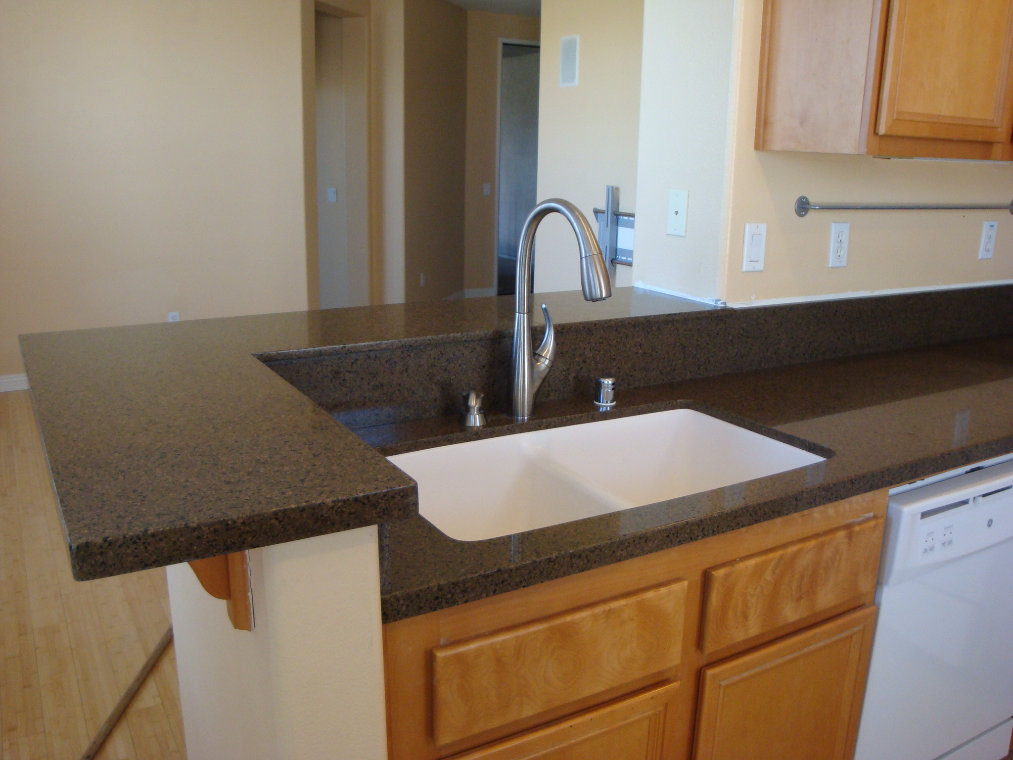 Kitchen Tropical Brown Quartz Counter Tops | Santa Clarita